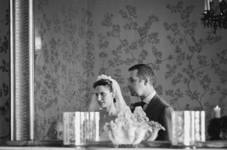 kerry graeme london wedding photography islington town hall chiswell street dining rooms © www.laurababb.co.uk-27